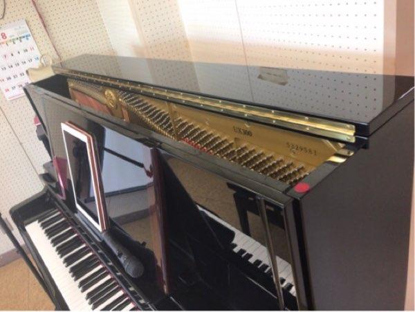 アップライトピアノの蓋を開けた