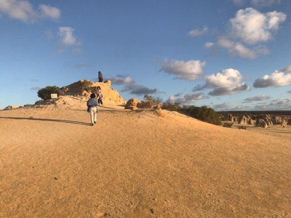 サンセットピナクルズの丘