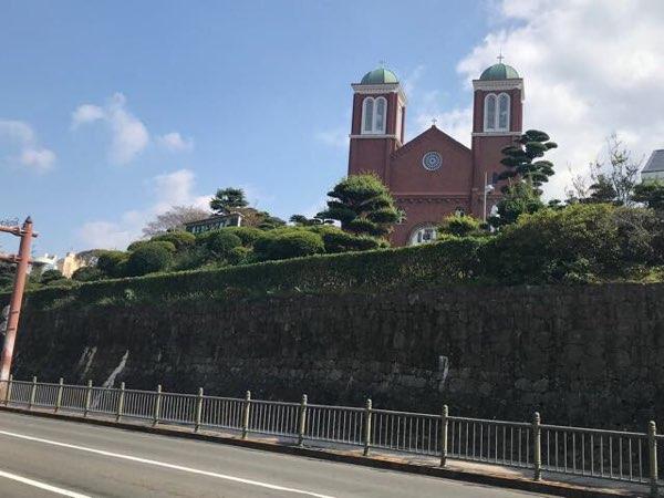 浦上天主堂(浦上教会)を道路から見たところ